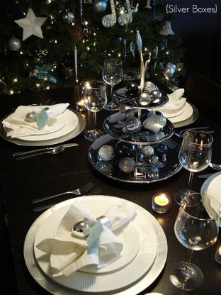 Black and Silver Christmas table