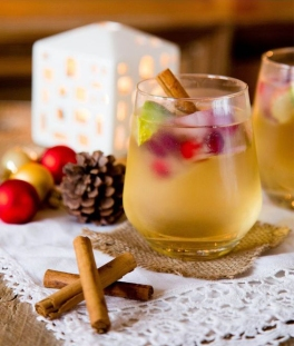 Gin & Appletiser Christmas Cocktail