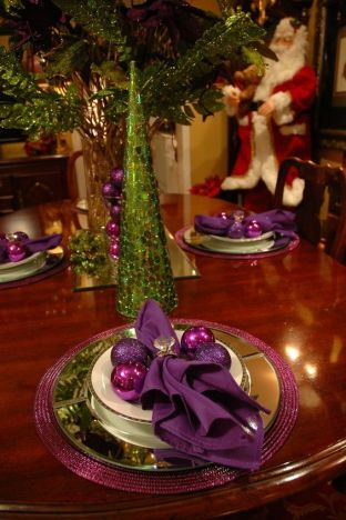 Purple and Green Christmas table